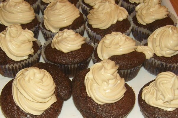 elkészült cappuccino cupcake