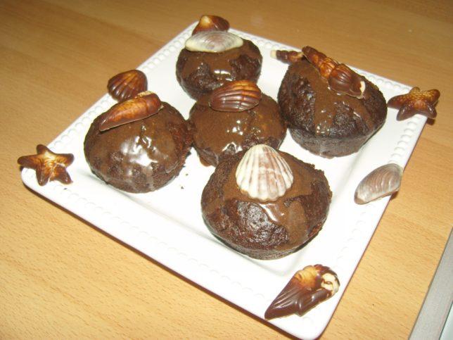 csokis muffin díszítés belga pralinéval