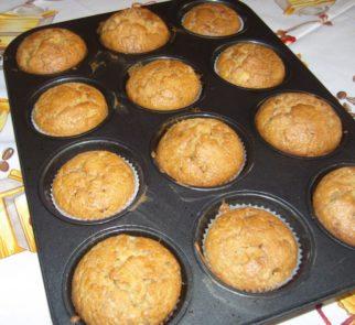 kisűlt körtés muffin